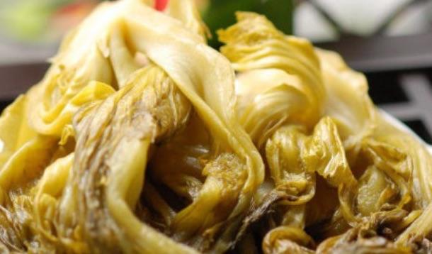 中国東北伝統的な食べ物「酸菜(サンサイ)」秋の白菜大量買開始、自家製酸菜が主流